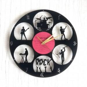 Часы из виниловой пластинки handmade
