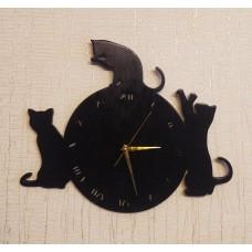 Настенные часы из дерева Котики