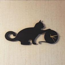 Настенные часы из дерева Кот с клубком