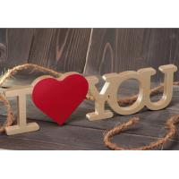 Надпись из дерева I love you